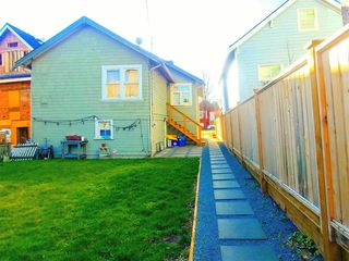 Photo 3: 371 E 16TH Avenue in Vancouver: Mount Pleasant VE House for sale (Vancouver East)  : MLS®# R2331457