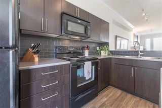 """Photo 2: 68 6575 192 Street in Surrey: Clayton Townhouse for sale in """"Ixia"""" (Cloverdale)  : MLS®# R2275414"""