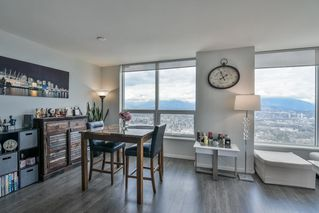 """Photo 11: 3901 5883 BARKER Avenue in Burnaby: Metrotown Condo for sale in """"ALDYANNE ON THE PARK"""" (Burnaby South)  : MLS®# R2348636"""