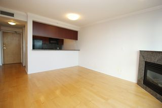 "Photo 4: 3502 1111 W PENDER Street in Vancouver: Coal Harbour Condo for sale in ""VANTAGE"" (Vancouver West)  : MLS®# R2331426"