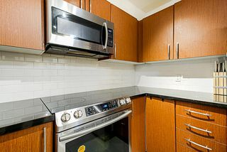 """Photo 4: 304 7337 MACPHERSON Avenue in Burnaby: Metrotown Condo for sale in """"CADENCE"""" (Burnaby South)  : MLS®# R2337902"""