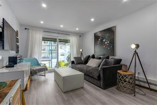 """Photo 2: 309 270 W 1ST Street in North Vancouver: Lower Lonsdale Condo for sale in """"Dorset Manor"""" : MLS®# R2304952"""
