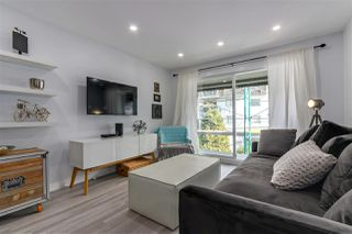 """Photo 3: 309 270 W 1ST Street in North Vancouver: Lower Lonsdale Condo for sale in """"Dorset Manor"""" : MLS®# R2304952"""