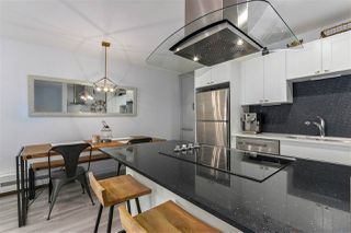 """Photo 7: 309 270 W 1ST Street in North Vancouver: Lower Lonsdale Condo for sale in """"Dorset Manor"""" : MLS®# R2304952"""
