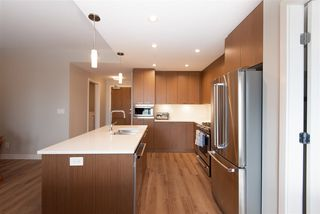 """Photo 9: 307 4289 HASTINGS Street in Burnaby: Vancouver Heights Condo for sale in """"Modena"""" (Burnaby North)  : MLS®# R2358636"""