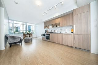 Photo 1: 505 6538 NELSON Avenue in Burnaby: Metrotown Condo for sale (Burnaby South)  : MLS®# R2382472