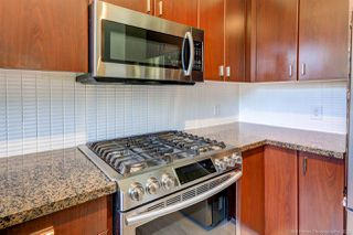 """Photo 15: 90 6878 SOUTHPOINT Drive in Burnaby: South Slope Townhouse for sale in """"CORTINA"""" (Burnaby South)  : MLS®# R2480680"""