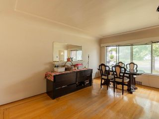 Photo 2: 372 E 58TH Avenue in Vancouver: South Vancouver House for sale (Vancouver East)  : MLS®# R2489702