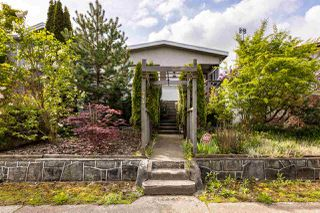 Photo 1: 444 E 38TH Avenue in Vancouver: Fraser VE House for sale (Vancouver East)  : MLS®# R2452399
