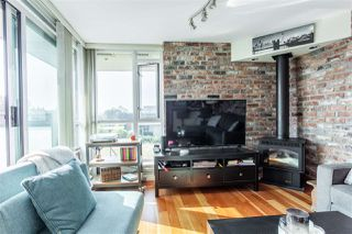 """Photo 5: 407 2515 ONTARIO Street in Vancouver: Mount Pleasant VW Condo for sale in """"ELEMENTS"""" (Vancouver West)  : MLS®# R2528697"""