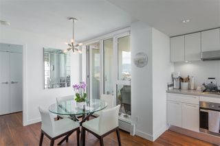 """Photo 6: 1807 188 KEEFER Street in Vancouver: Downtown VE Condo for sale in """"188 Keefer"""" (Vancouver East)  : MLS®# R2453086"""