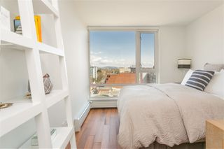 """Photo 7: 1807 188 KEEFER Street in Vancouver: Downtown VE Condo for sale in """"188 Keefer"""" (Vancouver East)  : MLS®# R2453086"""