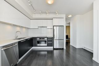 """Photo 6: 3202 6333 SILVER Avenue in Burnaby: Metrotown Condo for sale in """"SILVER"""" (Burnaby South)  : MLS®# R2470696"""