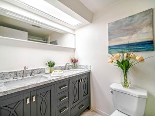 """Photo 14: 108 2250 OXFORD Street in Vancouver: Hastings Condo for sale in """"LANDMARK OXFORD"""" (Vancouver East)  : MLS®# R2528239"""