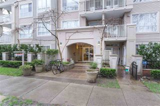 "Photo 1: 404 2755 MAPLE Street in Vancouver: Kitsilano Condo for sale in ""Davenport Lane"" (Vancouver West)  : MLS®# R2428313"