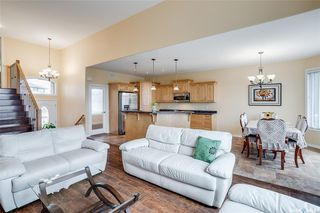 Photo 8: 127 Bennion Crescent in Saskatoon: Willowgrove Residential for sale : MLS®# SK790660
