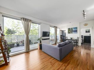 Photo 3: PH1 683 E 27TH Avenue in Vancouver: Fraser VE Condo for sale (Vancouver East)  : MLS®# R2480898