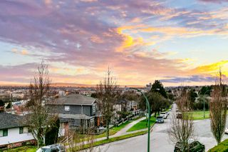 Photo 3: 7860 JASPER Crescent in Vancouver: Fraserview VE House for sale (Vancouver East)  : MLS®# R2528864