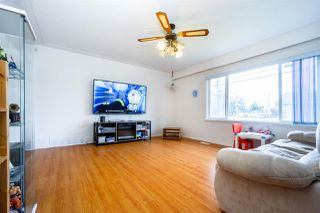 Photo 5: 5374 INMAN Avenue in Burnaby: Central Park BS House for sale (Burnaby South)  : MLS®# R2435354