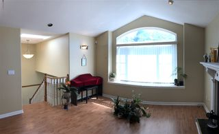Photo 7: 4467 CAMBRIDGE Street in Burnaby: Vancouver Heights House for sale (Burnaby North)  : MLS®# R2348274