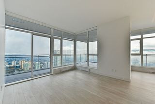 """Photo 7: 4908 4670 ASSEMBLY Way in Burnaby: Metrotown Condo for sale in """"STATION SQUARE 2"""" (Burnaby South)  : MLS®# R2346789"""