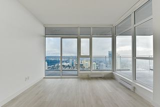 """Photo 6: 4908 4670 ASSEMBLY Way in Burnaby: Metrotown Condo for sale in """"STATION SQUARE 2"""" (Burnaby South)  : MLS®# R2346789"""