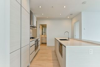 """Photo 3: 4908 4670 ASSEMBLY Way in Burnaby: Metrotown Condo for sale in """"STATION SQUARE 2"""" (Burnaby South)  : MLS®# R2346789"""