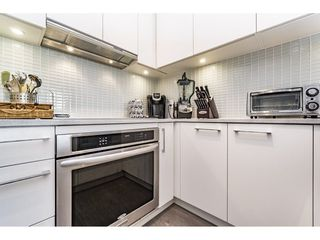"""Photo 7: 712 668 COLUMBIA Street in New Westminster: Quay Condo for sale in """"TRAPP AND HOLBROOK"""" : MLS®# R2178906"""
