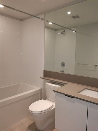 """Photo 5: 2005 6638 DUNBLANE Avenue in Burnaby: Metrotown Condo for sale in """"MIDORI"""" (Burnaby South)  : MLS®# R2355328"""