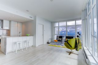 """Photo 6: 5202 4670 ASSEMBLY Way in Burnaby: Metrotown Condo for sale in """"STATION SQUARE"""" (Burnaby South)  : MLS®# R2355560"""