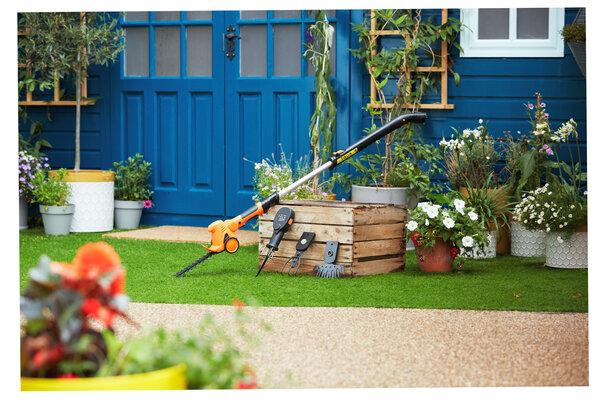 4 in 1 gardening multi tool