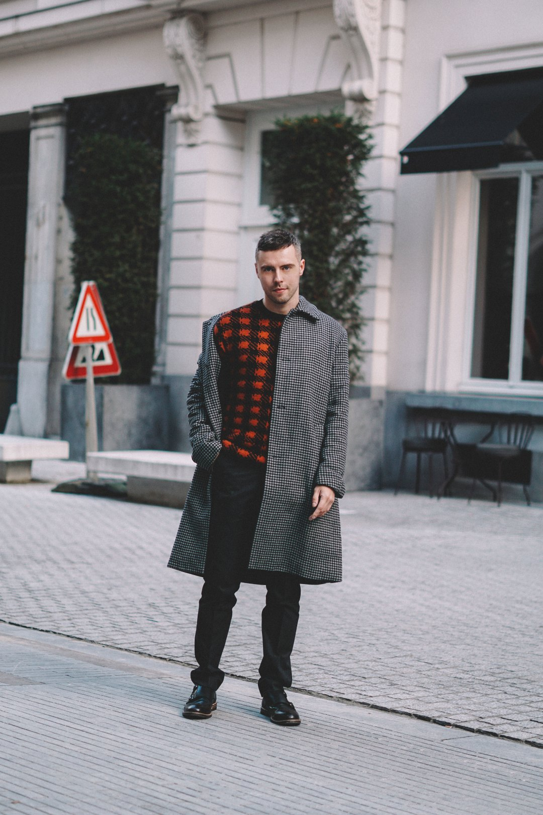 Weekend break in Brussels. Wearing Double Dogtooth Check Coat, Mohair Plaid Crew Neck Jumper and Micro Dogtooth Stretch Trousers from French Connection. Lanx Finney Shoes. Blog by Skirmantas Petraitis.