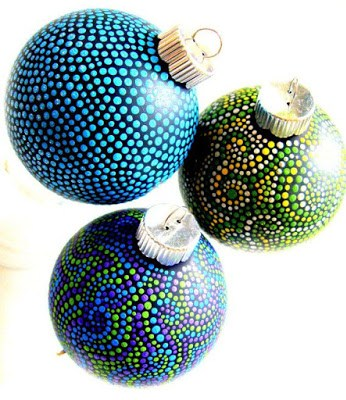 Create Australian Aboriginal art on solid colored ornaments