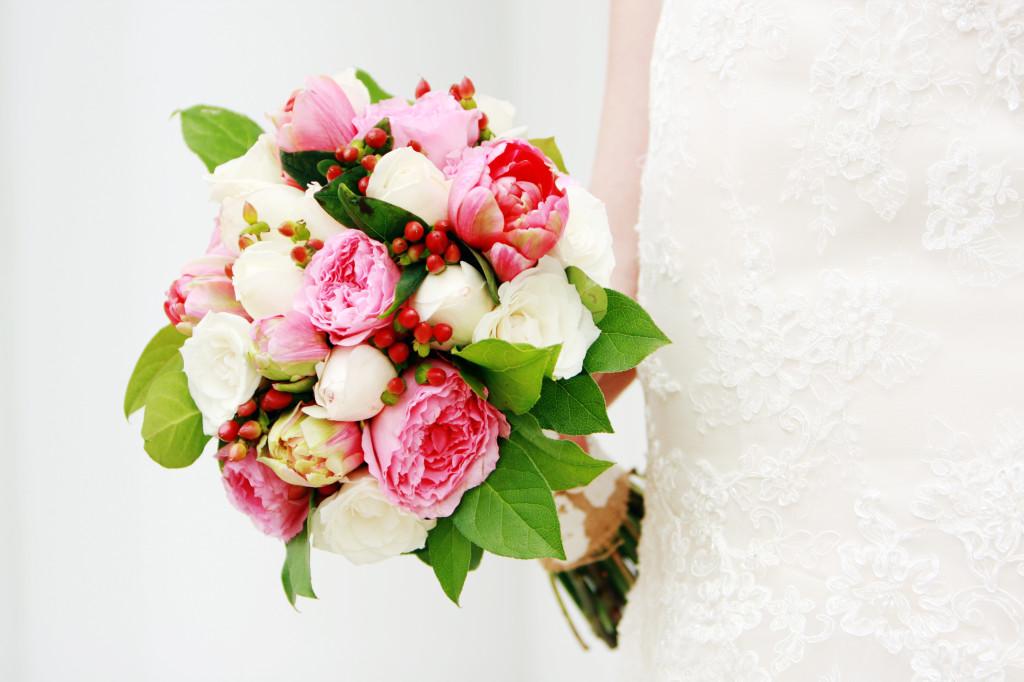 DIY Wedding Flowers | How I Did My Own! - Mrs. Fancee