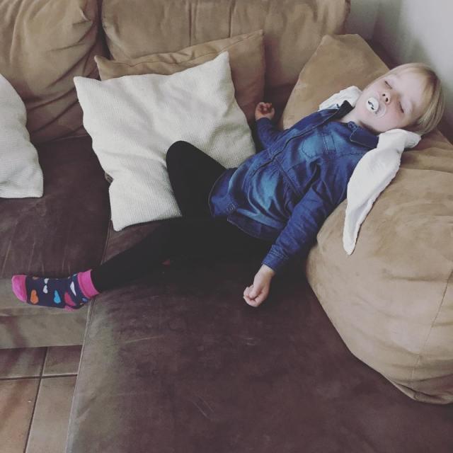 Schlaf Kindlein Schlaf Da war wohl jemand mde lebenmitkindern momlifehellip