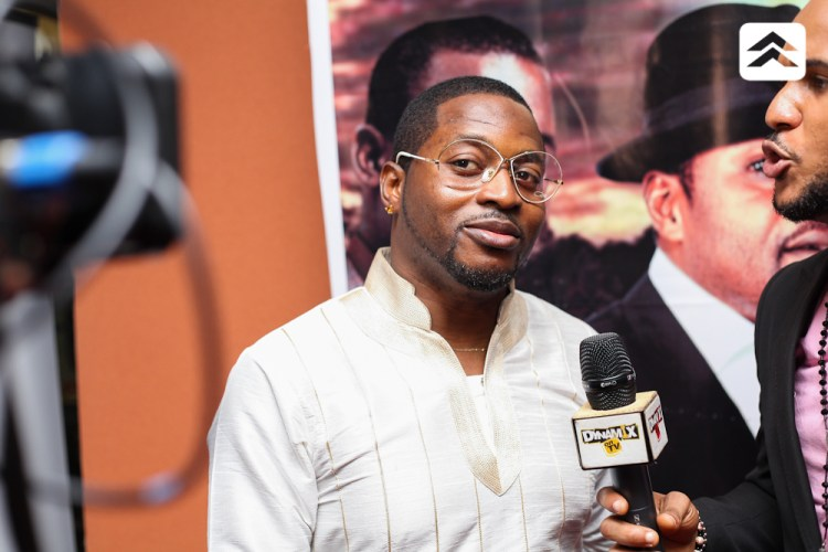 Olu Maintain at the Courier movie premiere