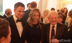 Tim Daly, Teo Leoni and Bob Schieffer.