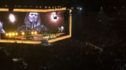 Adele singing Set Fire To The Rain in Chicago.