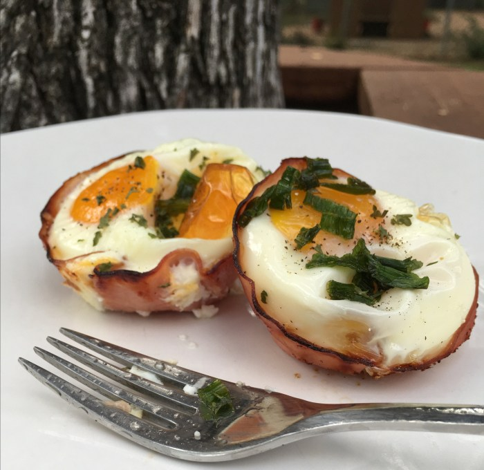 Low Carb Breakfast Ham and Egg Cupcakes