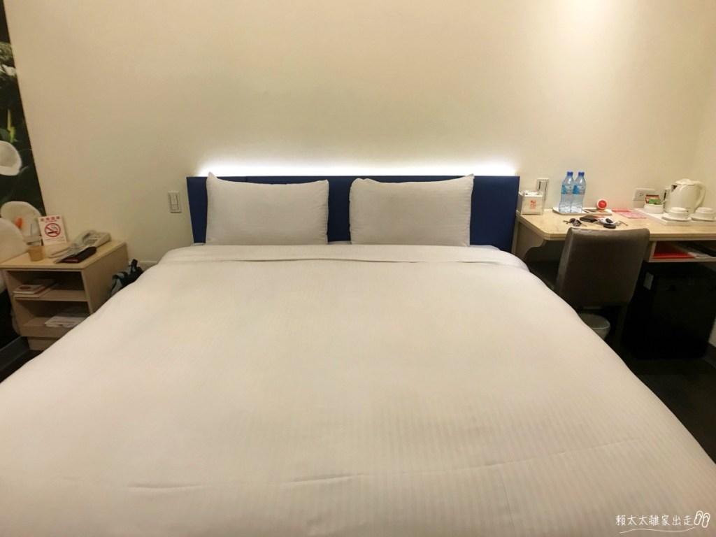 西悠飯店的床
