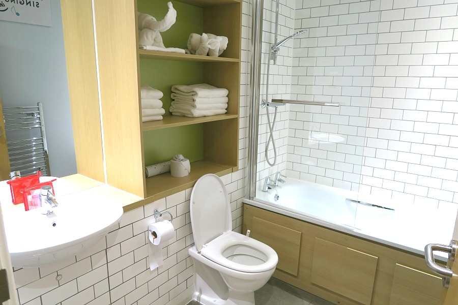 butlins bathroom
