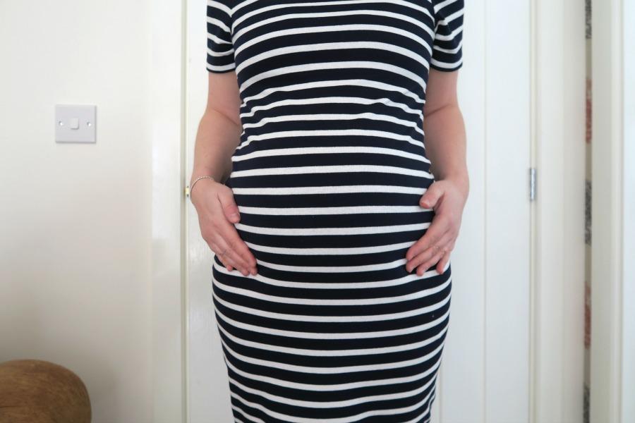 23 weeks pregnant bump