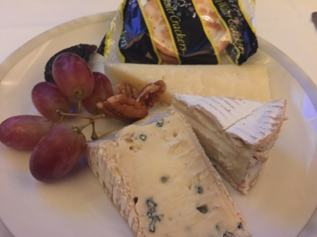 Cheese course on Singapore Airlines IAH to MAN