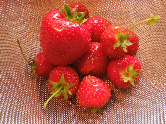 Image of a heap of strawberries