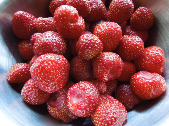 Image of a bowl of strawberries