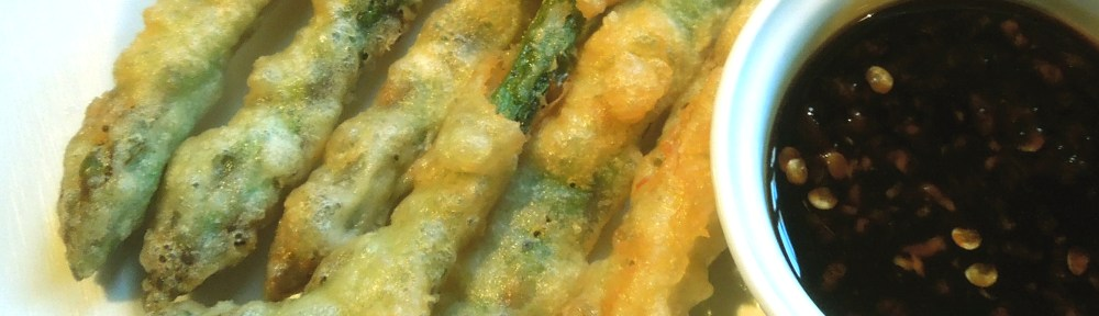 Image of Tempura Asparagus with a Spicy Dipping Sauce
