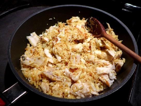 Image of kedgeree mixed in the pan