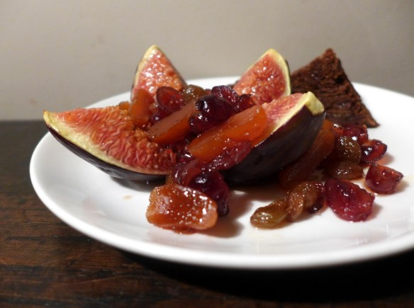 Grilled figs with boozy fruits