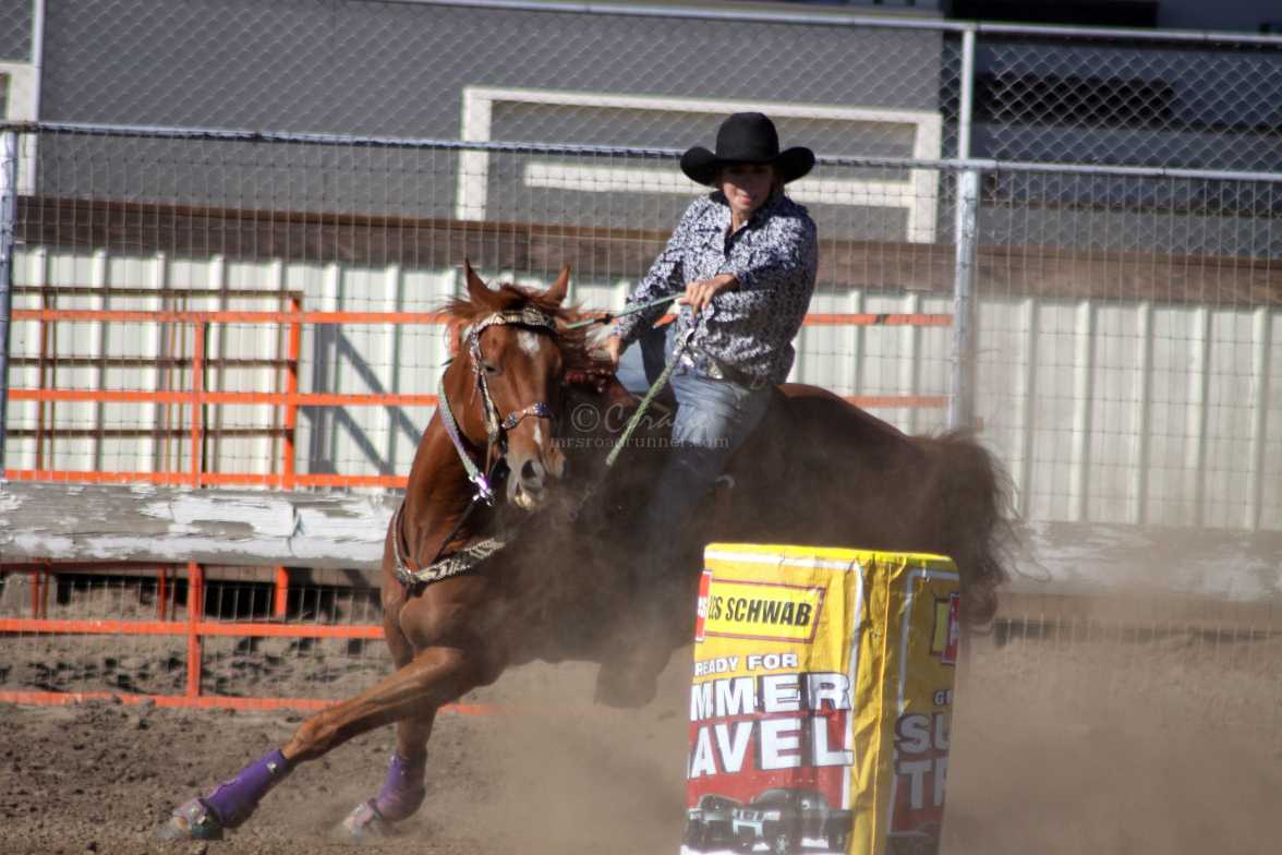 barrel racing 2347