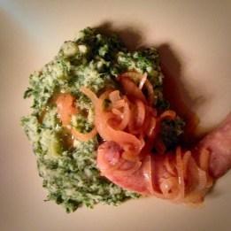 stamppotje boerenkool met een zelfgedraaid worstje - kale mash with a home made sausage